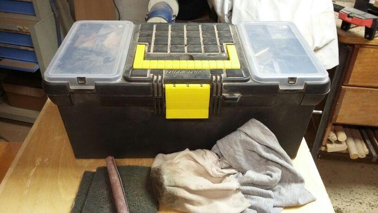 Pour être  efficace dans le rangement de vos  instruments  municez  vous d une boîte à  outils
