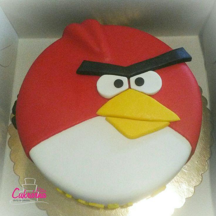DORT ANGRY BIRDS :-) čokoládový korpus s vanilkovým šlehačkovým krémem plněný strouhanou čokoládou a malinami :-) povrch dortu a ozdoby pravý marcipán :-)