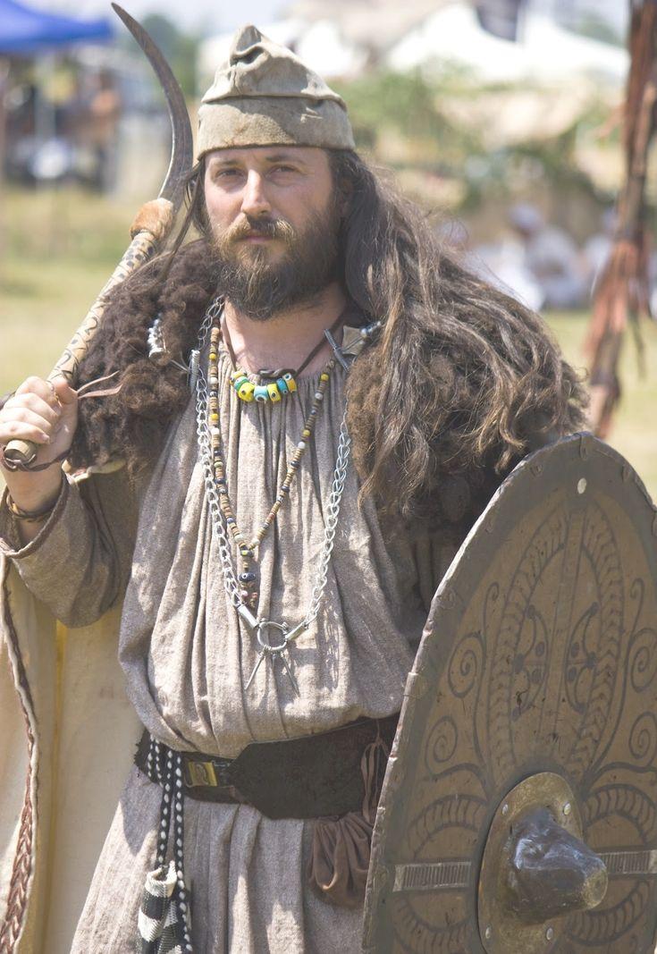 Google Image Result for http://romaniadacia.files.wordpress.com/2012/08/dacian-warrior-dacians-men-ancient-european-people-romanian-people-getae.jpg