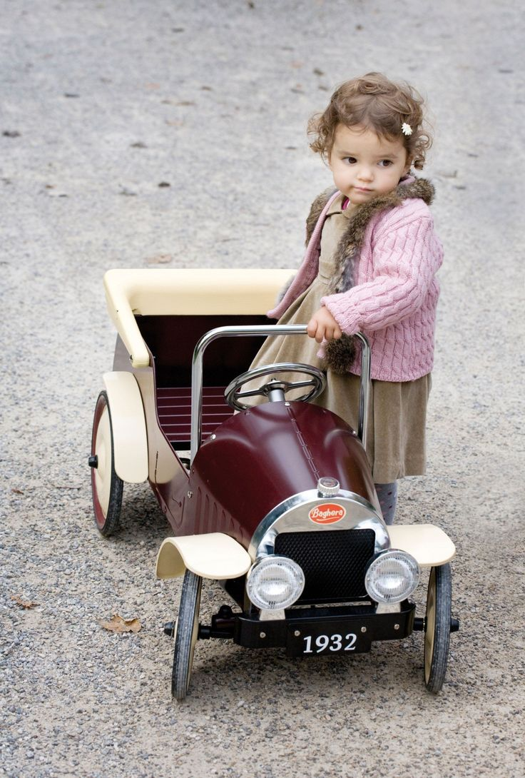 Baghera pedal car available at www.babyneenee.com