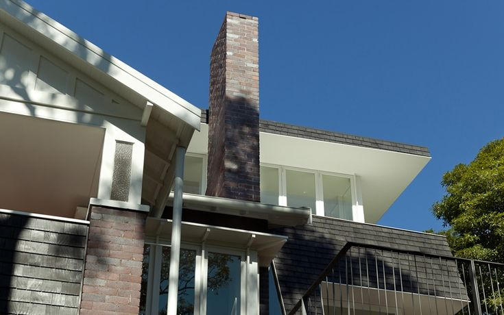 MCK Architects / Skirt + Rock House