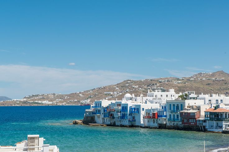 Enjoy the view to the day and night life of Mykonos Town. Stay in Alana Pension and at the heart of one of the most beautiful spots across the Mediterranean! Click on http://goo.gl/yjuhzY to read more!   #mykonos #mykonosisland #greece #aegean #apartment #summer2016 #alanamykonostown