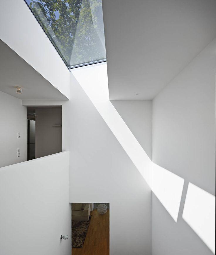 Wohnhaus C Mainz Oberstadt : Moderner Flur, Diele & Treppenhaus von Marcus Hofbauer Architekt