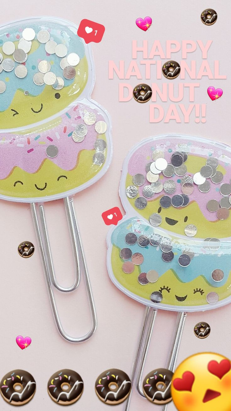 Aren't these just the CUTEST shaker clips! Happy Nationa Donut Day!  #planner #planneraccessories #plannerclip #plannerclips #shaker #shakers #shakerclip #shakerclips #paperclip #paperclipDIYs #paperclipcraft #cute #kawaii #donut #donuts #doughnuts #nationaldonutday #nationaldoughnutday #bujo #bulletjournal #happyplanner #plannerideas #plannerinspo #eclp #erincondren #sprinkles #pink #pastel