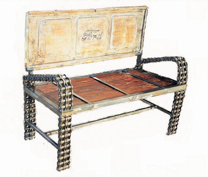 www.flickr.com/photos/recycledsalvage  Feito com porta traseira de um ford, braços e pernas de cadeia, madeira recuperada para o assento foi retirado de uma casa de 100 anos.