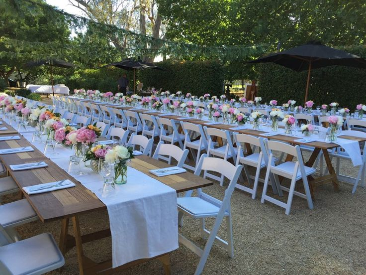 Spring wedding with Georgie Campbell flowers