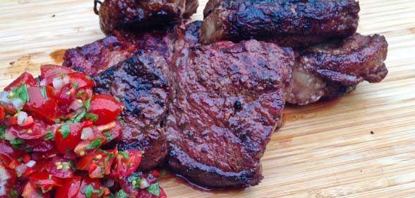 Picanha is een goedkoop en spectaculair stuk vlees dat je zeker een keer gegeten moet hebben.