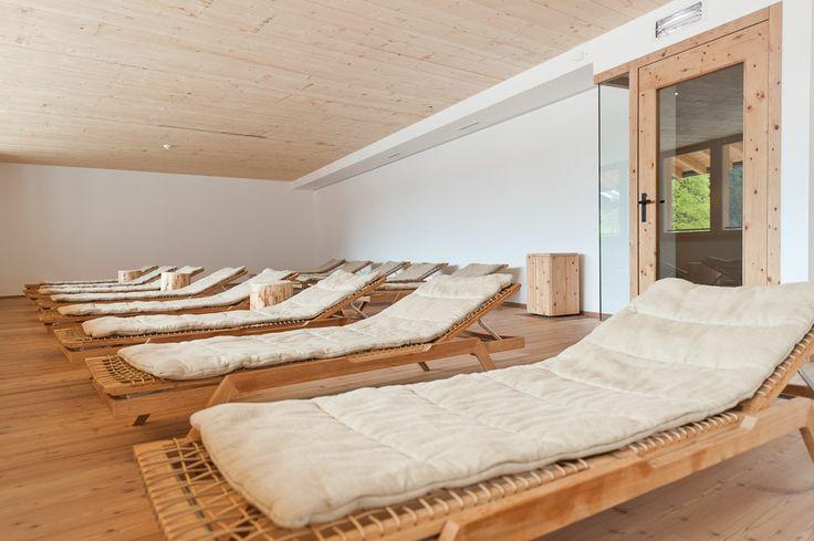 Spa relax zone #spa #care #sonnenbänke