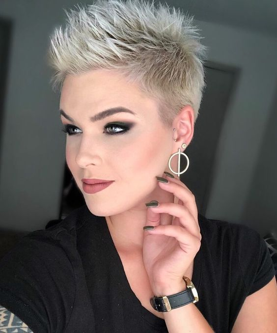 10 Most Beautiful Short Hairstyles To Make You Try : Celebrity Hairstyles