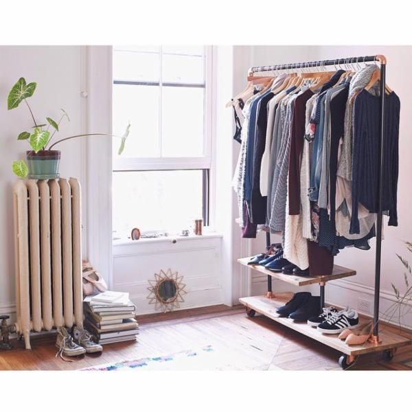 1000+ images about Clothing racks and bedroom vibes on Pinterest