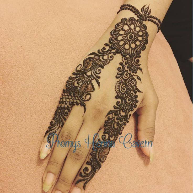Something more intricate yet simple for Eid! #henna #hennapro #hennaartist #hennadesign #hennatattoo #hennapro #temporarytattoo #bodyart #sleevetattoo #hennastain #bridal #bridalhenna #nyc #nychenna #culturalheritage #imagination #festive #summerwedding #hennalookbook #maharaniweddings #traditionaltattoo #eidhenna #artistic #organichenna #promyshennacavern #artwork #creativeart #fingertattoos #imagination