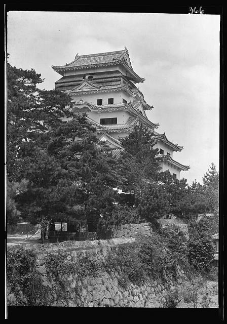 焼失前の福山城天守閣(2)|1908年(明治41年)撮影
