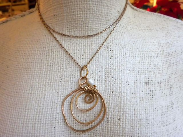 ciondolo in ottone con perla di fiume♥ bijouxcarmenvecam...