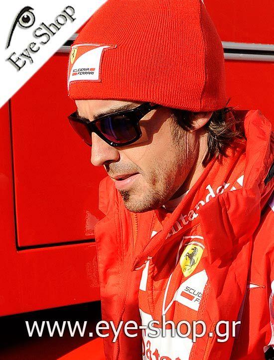 Fernando Alonso φοράει τα γυαλιά ηλίου Oakley Jupiter Squared κλικ στη φωτο για να τα βρείτε