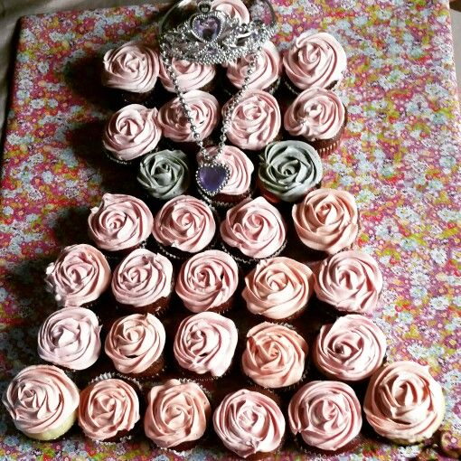Pricess dress cupcakes