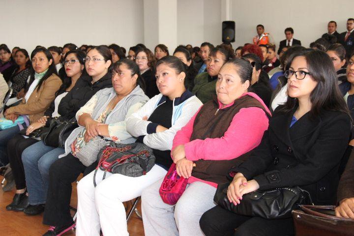 El Oficial Mayor del Gobierno del Distrito Federal, Mtro. Edgar Armando González Rojas, les dio la más cordial bienvenida a los próximos servidores públicos del Gobierno del Distrito Federal.