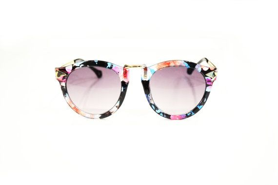 Vintage Arrow Sunglasses with Bridge Detail -  Floral with Light Gold Detail offered by slimshades