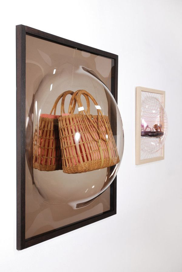 Studio Thier&vanDaalen designed the Showcase Mirror to not only protect your precious objects, but to display them properly.