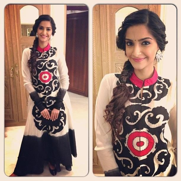 Check out Bollywood Actress Sonam Kapoor Recent Event pic.
