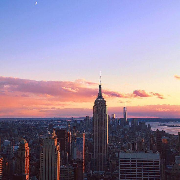 NYC Fall on tuulavintage.com  Photo by @nicolecooperr Repost @tuulavintage #lifewelltravelled  #revertnewyork #indiechic  #green #greenbeauty #beautiful #beautyblog #beautyjunkie #greenblog #beautysecrets #organic #organicbeauty #organicblogger #organicskincare #brooklynmade #madeinbrooklyn #love #girl #nyc #apothecary #botanicals #alluremagazine #vogue #newyork #fall #love #rose #haroersbazaar #nylonmagazine