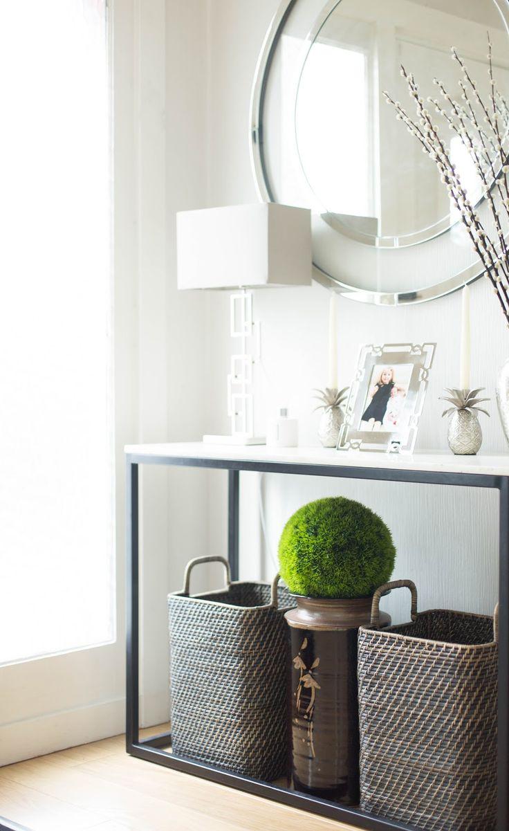 halls, hall make-over, entryway, hall décor, elegant décor, minimalistic décor, marble console table, chic decor