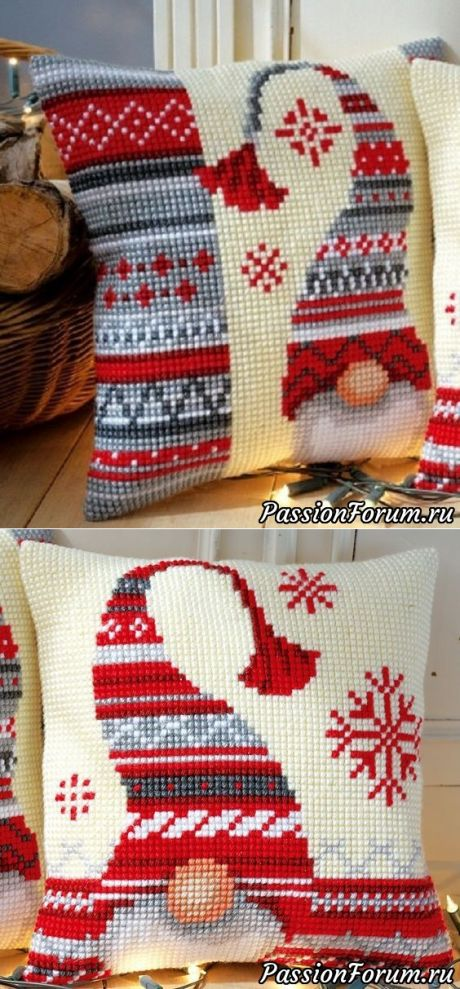 Рождественские подушки. Схемы вышивки крестом.