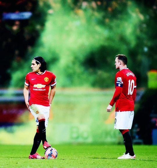 Radamel Falcao and Wayne Rooney