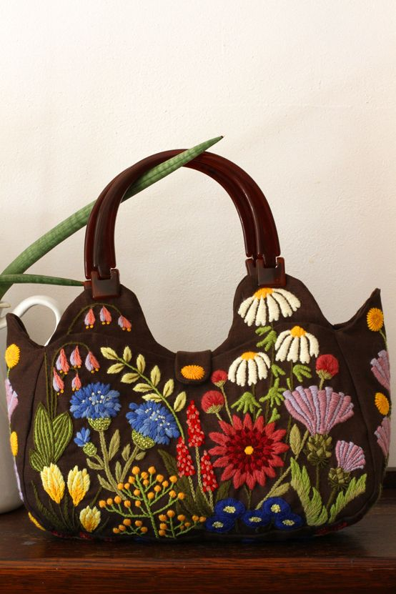 Crewel Embroidery Bag ~governess~
