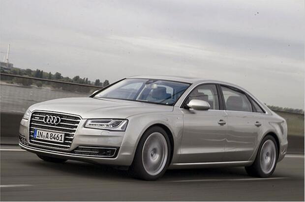 Audi A8 L W12 - Um ehrlich zu sein, waren wir selber überrascht, dass Audi noch einen Zwölfzylinder im Programm hat. Die A8-Langversion mit 6,3-Liter-W12 und 500 PS ist das Herrschaftlichste, das Ingolstadt derzeit zu bieten hat.