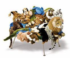 #Sedia #Banquete di Fernardo e Umberto Campana, realizzata attraverso il recupero di vecchi giocattoli di pezza.