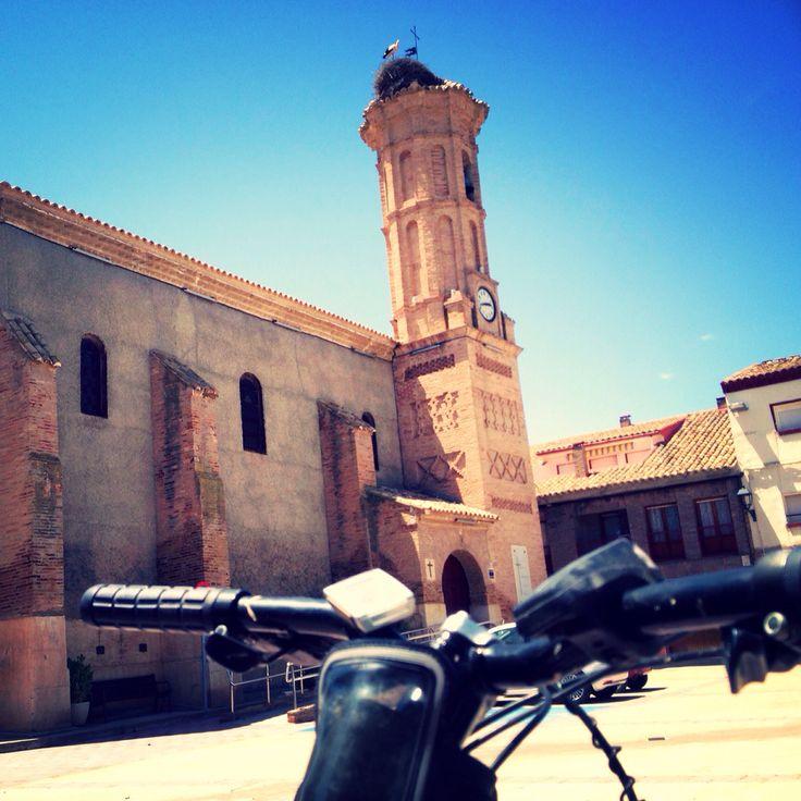 Subiendo el Canal Imperial De #Aragon... pedalada va pedalada viene... ¡¡Saludos desde #Pinseque!!.  #Zaragoza #Bici #Bicicleta #Ruta #MountainBike #Mountain #Senderos #Sendero #CanalImperial #CanalImperialDeAragón #CanalImperialAragón #Leñe #Río #RiberaMaña #LaRiberaMaña
