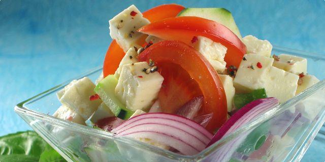 Řecký selský salát. Recepty — Podravka | S Podravkou chutná lépe