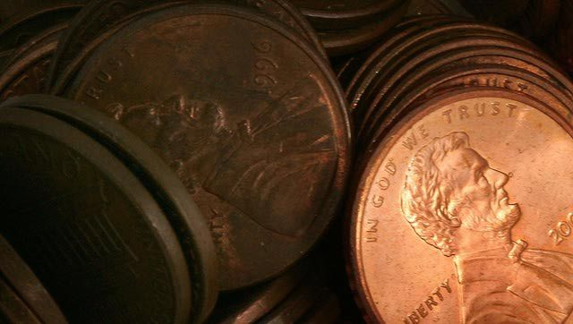 This site talks about the two sides of the penny controversy on whether or not it should still be a United States currency (AMW)