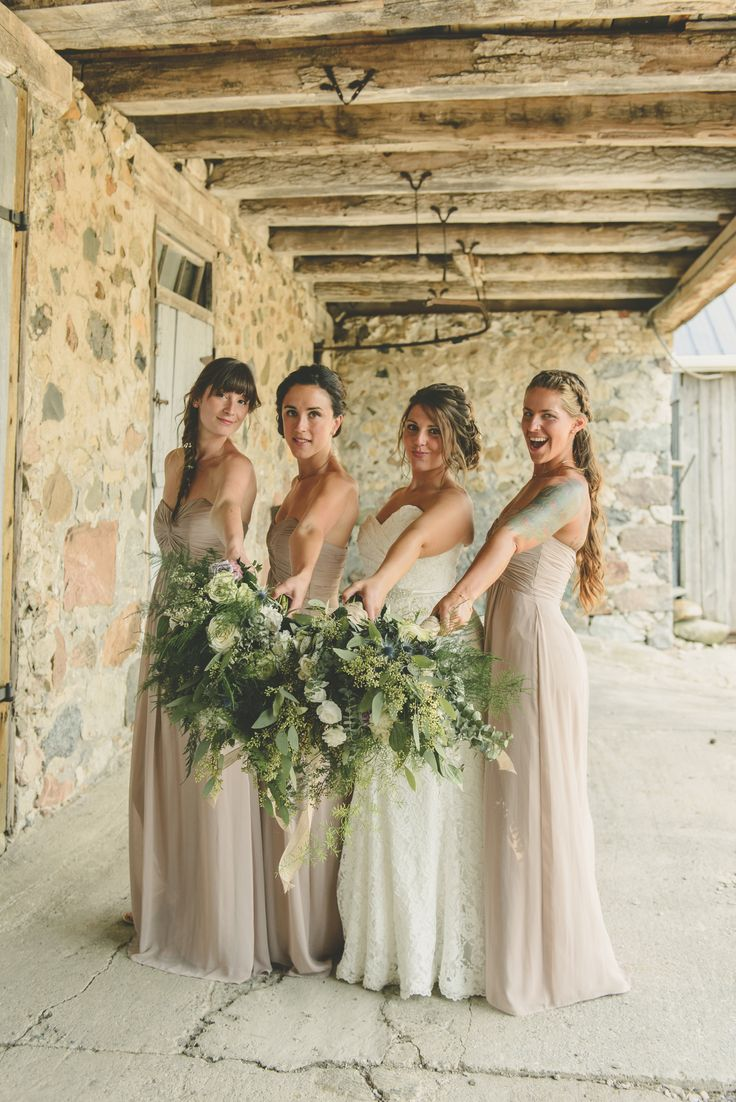 Just featured on Style Me Pretty ! Beautiful Sarah & her dream wedding-in-a-barn! @smpweddings beautiful photos by Catherine Mombourquette Photography @catherinemphoto #weddingflowers #bridewithstyle #bridalbouquet #weddingbouquet #weddingsinabarn #lovesarahtobits #feelinghonoured