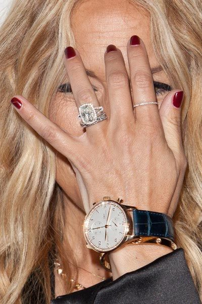 Rachel Zoe's 'push present' ----- 10 carat cushion-cut diamond ring