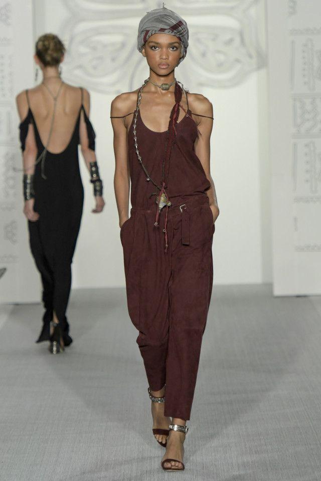 Daks - Ready-to-wear SS/2017 (London Fashion week)