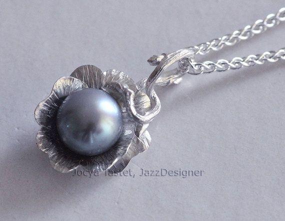 Retrouvez cet article dans ma boutique Etsy https://www.etsy.com/listing/267114479/flower-necklace-twig-necklace-sterling