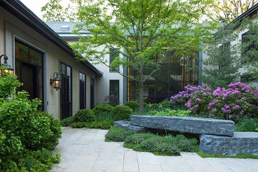 Naturalistic garden in winnetka il by hoerr schaudt for Hoerr schaudt landscape architects