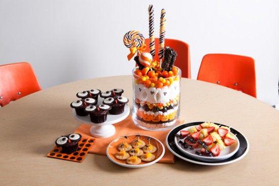 more hallow-funHalloween Parties Ideas, Treats Ideas, Food Stations, Halloween Treats, Halloween Food, Halloween Appetizers, Halloween Ideas, Healthy Treats, Birthday Ideas