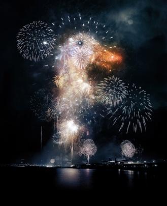 Starkly Photographic AestheticFireworks Illustration, Illustration Agency, Central Illustration, Ads Work, Spirals Fireworks, Ducks Fireworks, Blog, Spirals Studios, Collection Artists