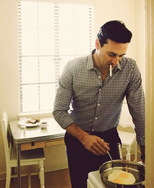 John Hamm and eggs? Yes please. I really wanted to put this under Food I Want to Cook but I thought that'd be a bit much....