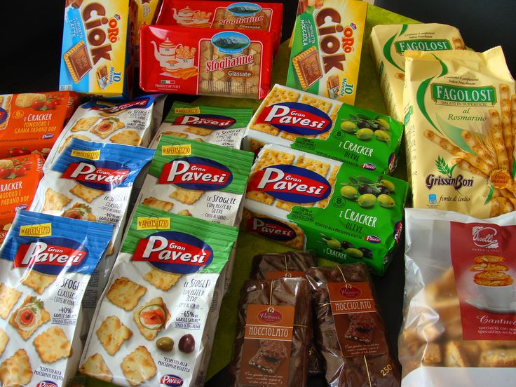 Prídite si vybrať k nám chutné talianske čokolády, sušienky, keksíky, tyčinky, cantuccini, grissiny alebo krekery. Ponúkame značky Vannucci, Pavesi, Ciok, Fagolosi, Sfogliatine, Piselli Cantuccini, Grissinbon ......... www.vinopredaj.sk .......  Ochutnajte Taliansko ešte dnes.  #cokolada #keks #keksik #tycinka #grissiny #susienky #kreker #inmedio #dlikatesy #delishop #cantuccini #follini #granpavesi #nocciolato #sfogliatine #dobroty #keksiky #fagolosti #ciok #taliansko #talianskepotraviny…