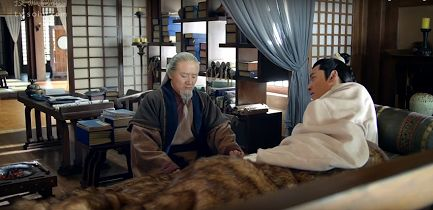 A typical ancient Chinese bachelor scholar's bedroom in an open plan residence --- separated from his studio and the rest of the areas by soft furnishing. (from Nirvana in Fire) https://plus.google.com/+Simplifyyourlifepluschina/posts/9LxoYFKFRSV