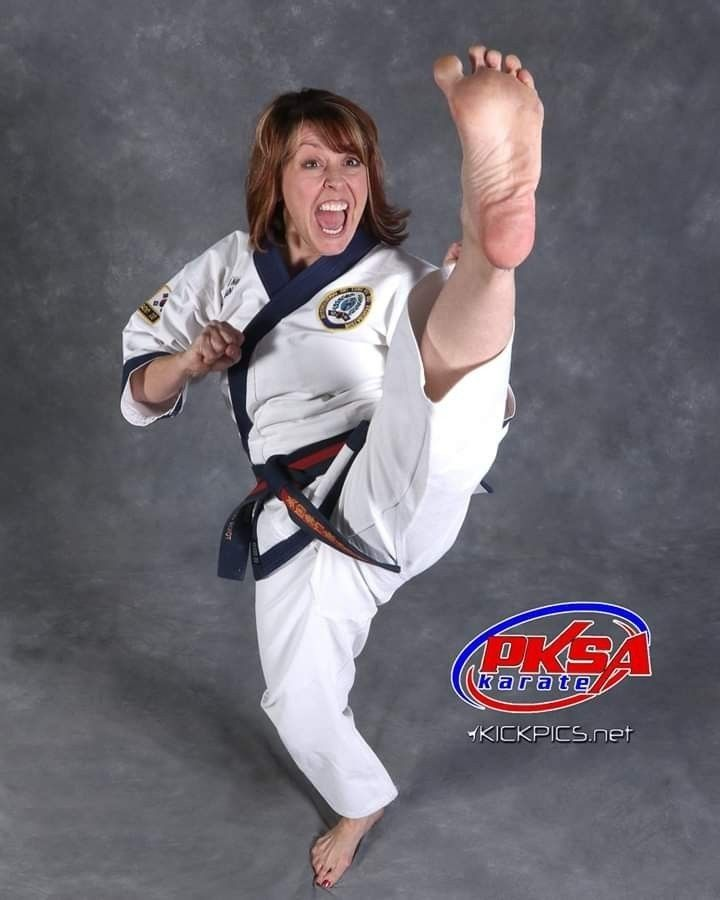 Pin By Chyhping Foo On Ma Women Karate Martial Arts Photography Martial Arts Women