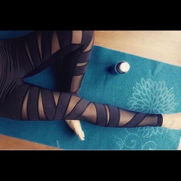 LULU LEMON SEE THROUGH MESH YOGA PANTS Size 8 good as new lululemon athletica Pants Skinny
