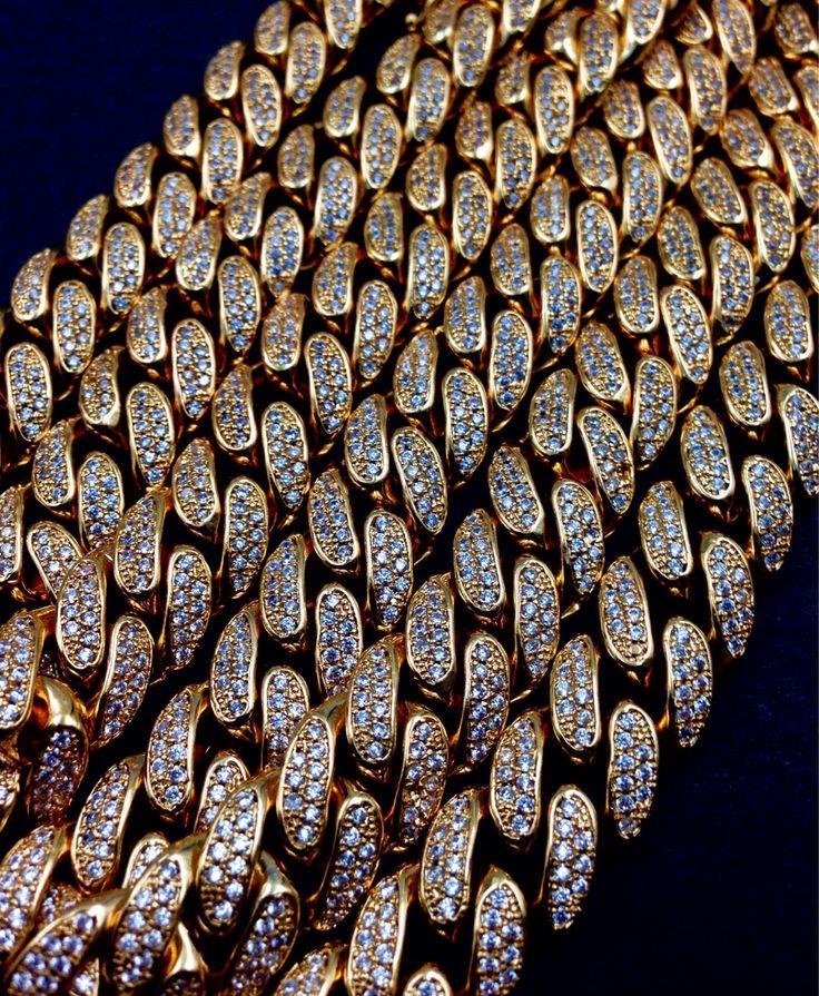 Bullion Heaven product  miami cuban link check out our website now www.bullionheaven.bigcartel.com #miamicubanlink #cubanlink #goldlink #goldchain #goldpiece #goldnugget #bullionheaven #18k #14k #jesuspiece #angelpiece #pharaohpendant #boss #stacks #swaggod #highsnobiety #hypebeast #rvspgallery  #amhush #dopepiece #blvck #goldheaven #hippop #golggod