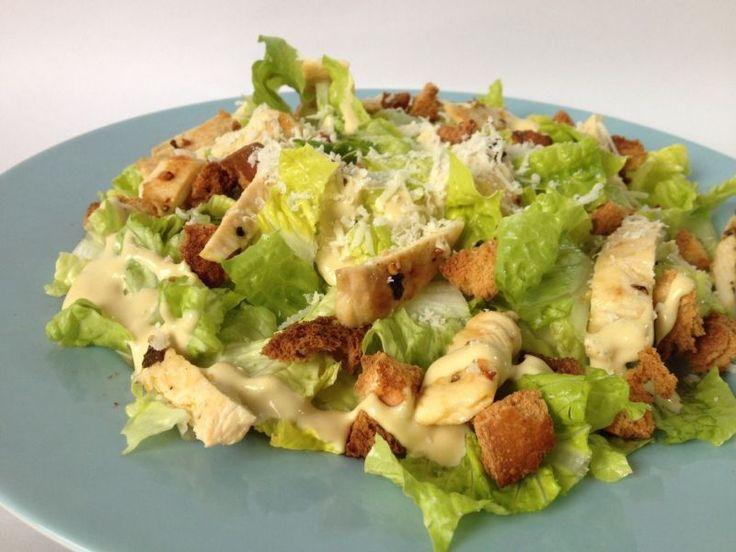Como preparar una Ensalada Cesar con Pollo paso a paso, Receta de Ensalada Cesar con pollo, Ingredientes y Modo de preparación, Recetas de ensaladas y salud