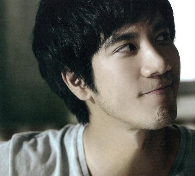 Wang Leehom 王力宏.  Sexiest singer I know