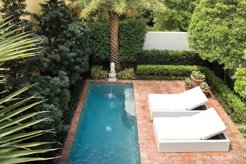 http://www.orlandomagazine.com/Orlando-Magazine/June-2011/Garden-Varieties/courtyard_pool.jpg