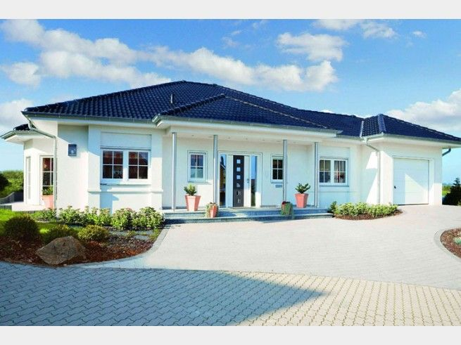 Hausfassade modern bungalow  Riviera - Einfamilienhaus von RENSCH HAUS GmbH | Haus XXL #modern ...